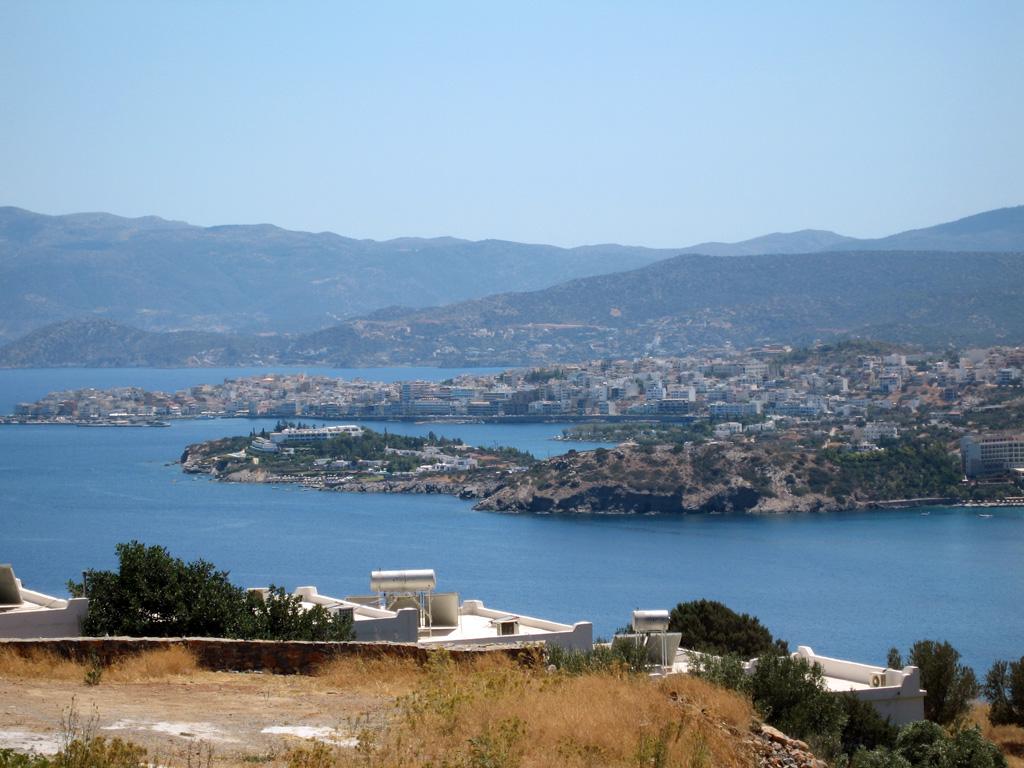 Agios Nikolaos, Elounda bugten
