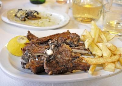 Taverna-Boys,-Akrotiri
